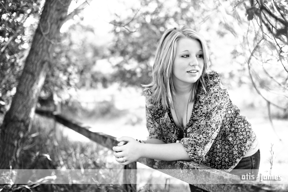 Senior Quick Teaser  ||  The Lovely Ciara!